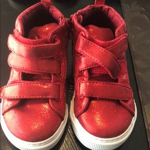 Gap shiny red shoes